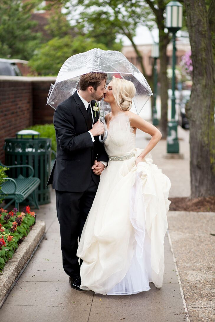 Rainy Day Wedding Umbrella Photos