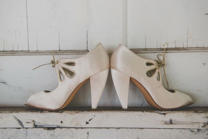 Vintage Champagne-Colored Heeled Shoes
