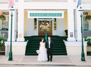 Kristine Nannini (29 and owner of Nannini Teaching Resources) and Brett O'Shell (30 and an attorney) celebrated their special day in a destination wed