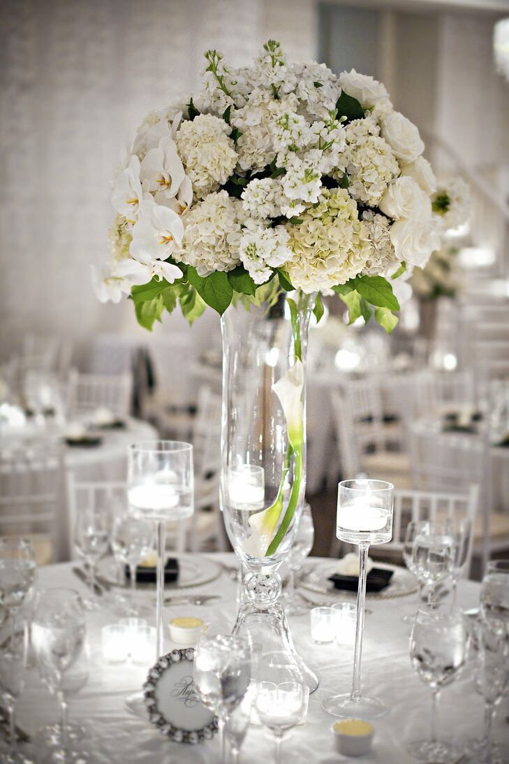 Elegant All-White Centerpiece