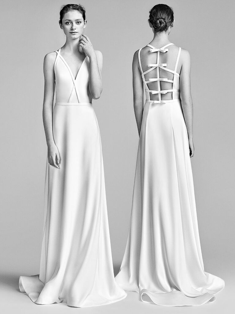 Viktor Rolf Spring 2018 Sleeveless Sheath Wedding Dress With Perpendicular Bow Detail On The Back