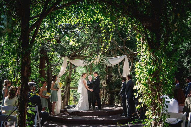 """Erin and Kyle live near Lake Arrowhead, and Pine Rose Cabins was the only venue they visited. """"We instantly fell in love with it,"""" Erin says."""