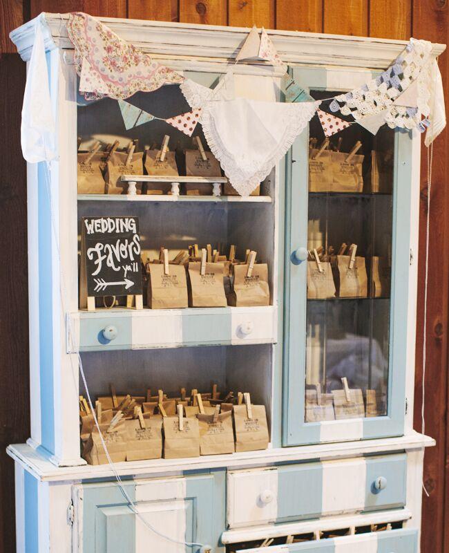 DIY clothespin wedding ideas: Photo Love Photography / TheKnot.com