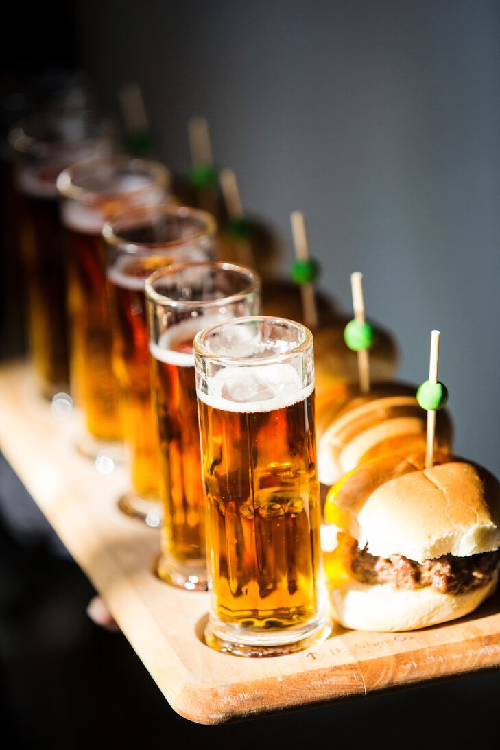 At the cocktail hour, Molly and Boston served mini Juicy Lucy Burgers, a Minnesota staple, along with mini beers, french fries and soft pretzels. They wanted it to feel like a bar, so they completely transformed their venue, Aria in Minneapolis, Minnesota.