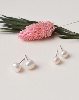 Dareth Colburn Classic Pearl Stud Earrings (JE-4166) Wedding Earring photo