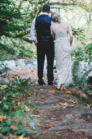 Intimate, Modern Forest Wedding in Washington