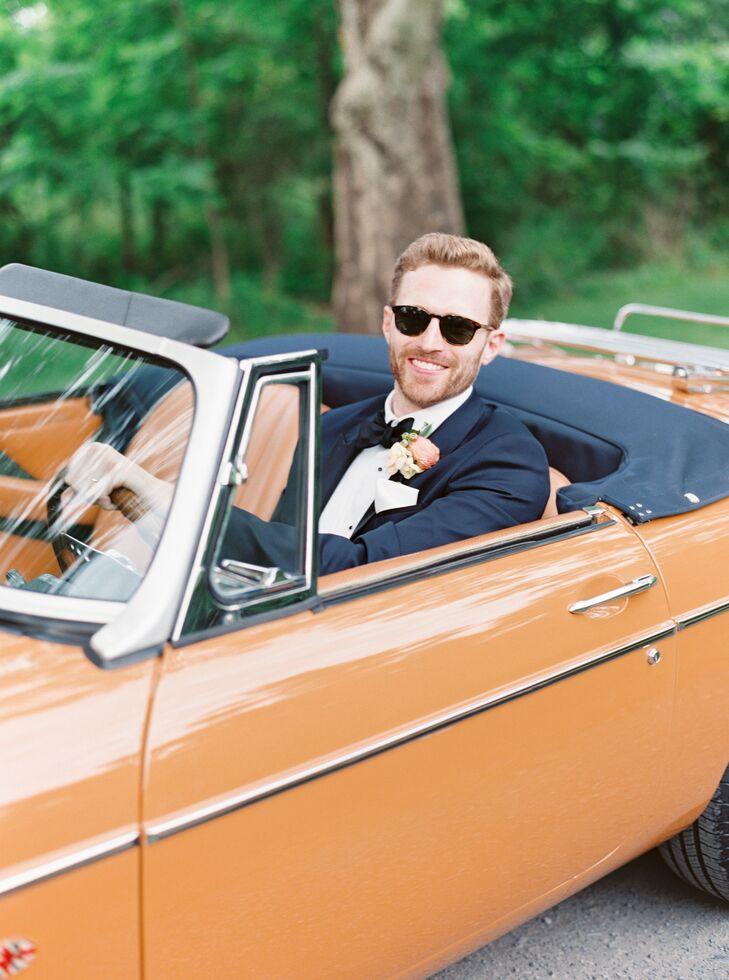 Groom in Orange Getaway Car at Pennsylvania Wedding