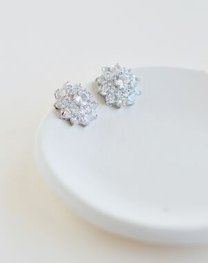Dareth Colburn Talia Floral Cluster Studs (JE-4174) Wedding Earring photo