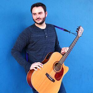 Brentwood, TN Singer Guitarist   Chaz Mazzota