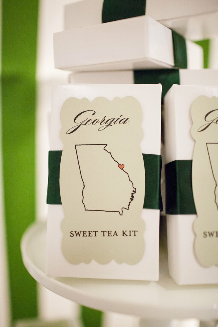 Since Katie is from Georgia and Craig is from Florida, they incorporated elements reflective of their backgrounds (and their history) into the favors. Guests could choose from a Georgia sweet tea kit, Key Lime Cooler cookies or Einstein Brothers coffee beans (from where they used to get breakfast together every weekend).