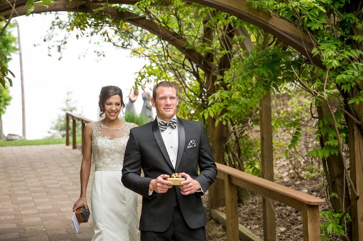 Before the ceremony, Lindsey walked down a path surrounded by greenery at the Stroudsmoor Inn to Danny who awaited seeing her for the first time. Lindsey worried if this method would take away from the emotion while she walked down the aisle, but the first reveal only added memories to the day.