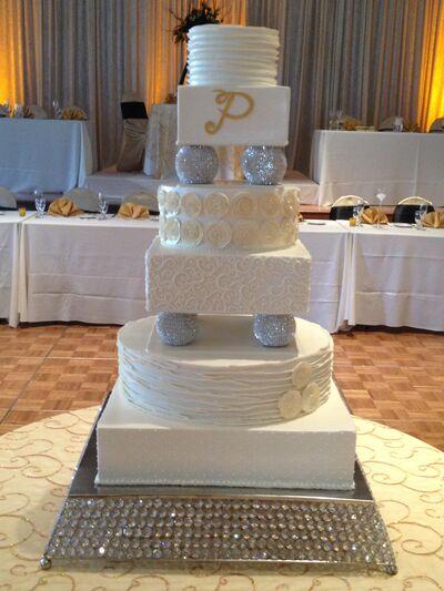 Holiday Market - Wedding Cakes