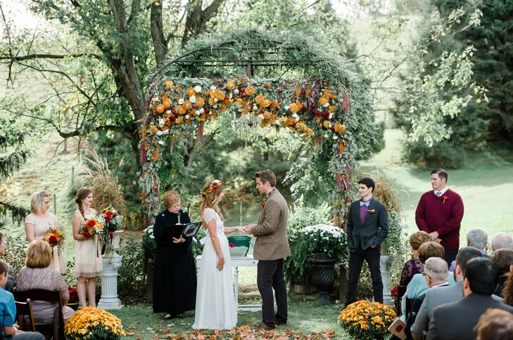 Rustic Fall Ceremony at Shady Elms Farm