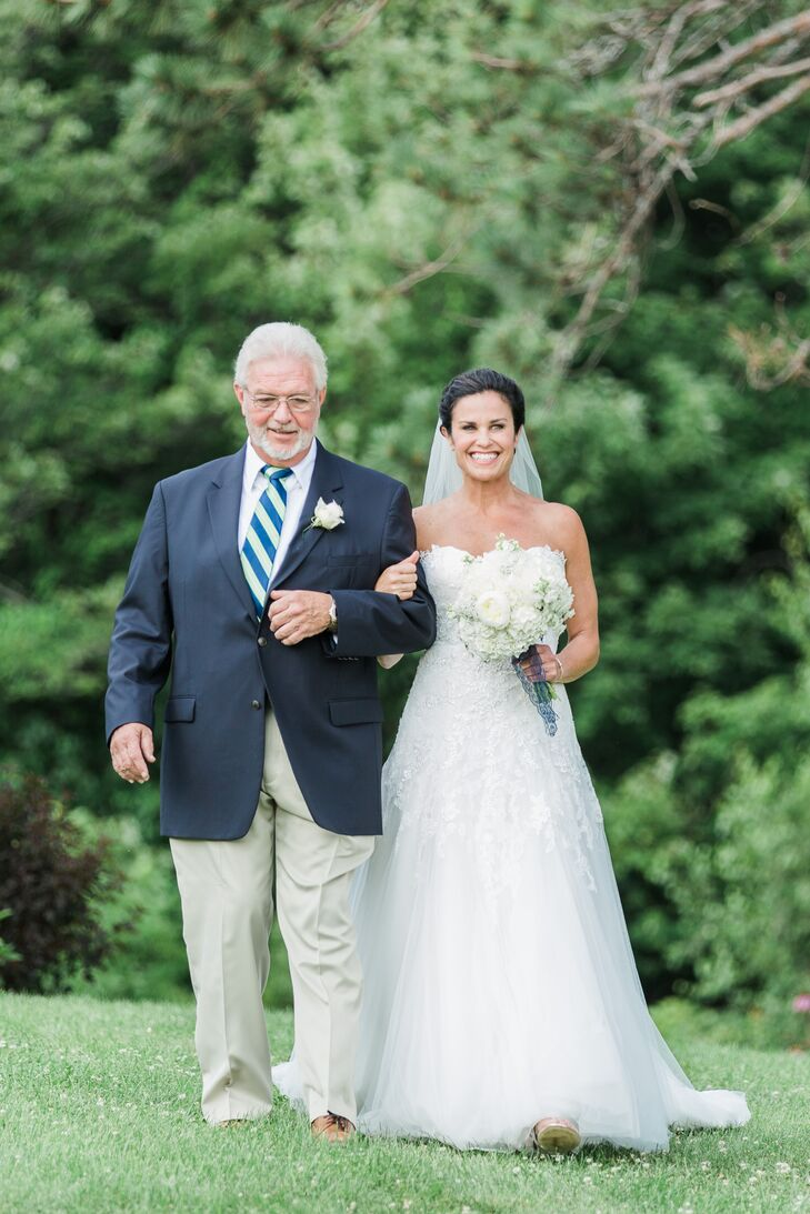 Longlook Farm Outdoor Ceremony Processional