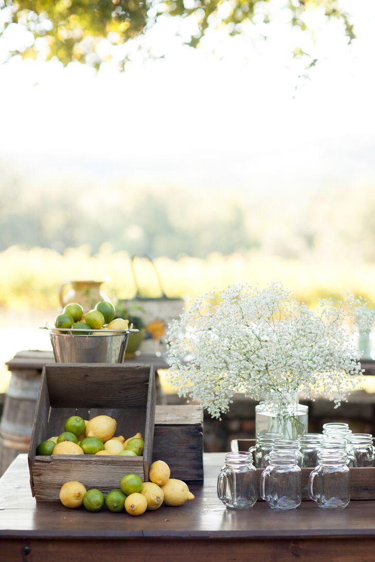 Fresh Lemonade Ceremony Drinks