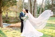 Sarah McClure (23 and a wedding photographer) and Ludwing Vivas (27 and in retail management) pulled off a chic DIY wedding at Vesuvius Vineyards in I
