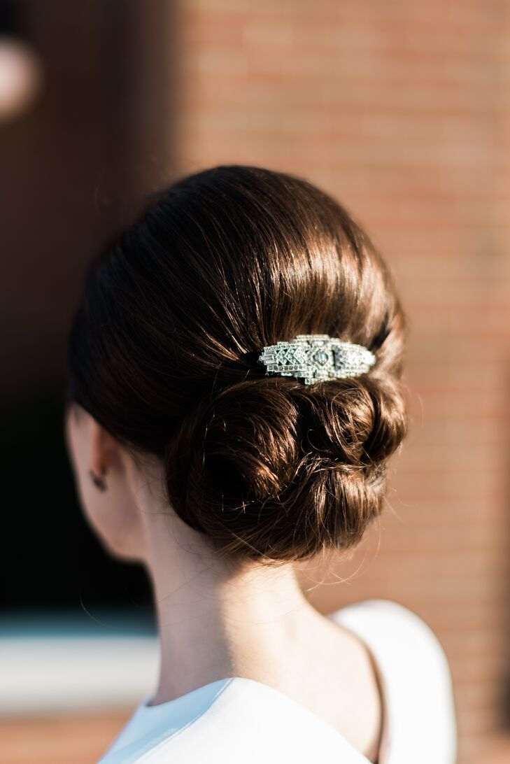 Elegant Vintage-Inspired Hair Clip