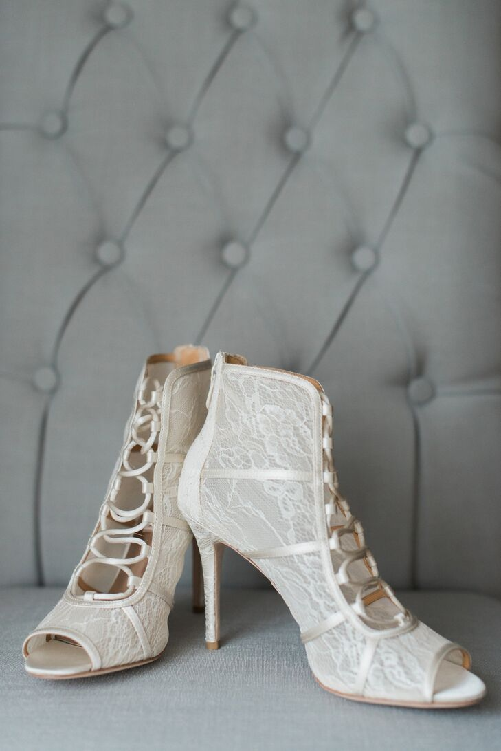 Elegant Lace Bridal Booties
