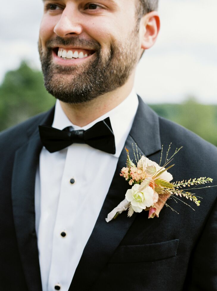 Rustic Boutonniere at Nature Michigan Retreat in Maple City