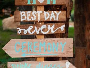 DIY wedding sign idea