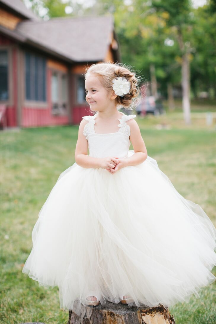 Homemade White Tulle Flower Girl Dresses And Floral Hair Accessories