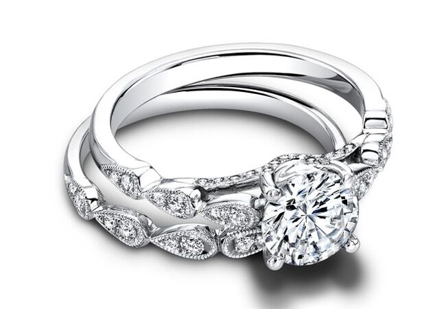 Tear-drop band engagement ring//Courtesy of Jeff Cooper