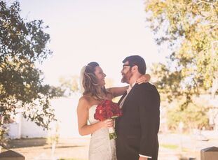 With a red and white color scheme and a subtle nod to their Valentine's Day date, Lauren Cowman (29 and works for a nonprofit) and Bryce Pfanenstiel's