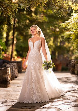Essense of Australia D2770 Wedding Dress