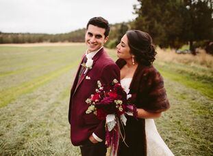 Paulina Inzerillo (25 and a nonprofit development professional) and Anthony Machi (25 and a business development professional) pulled off their rustic