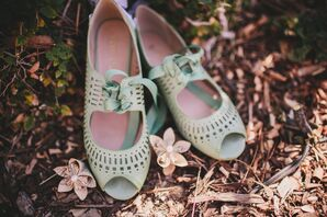 Mint Vintage Shoes With Laces