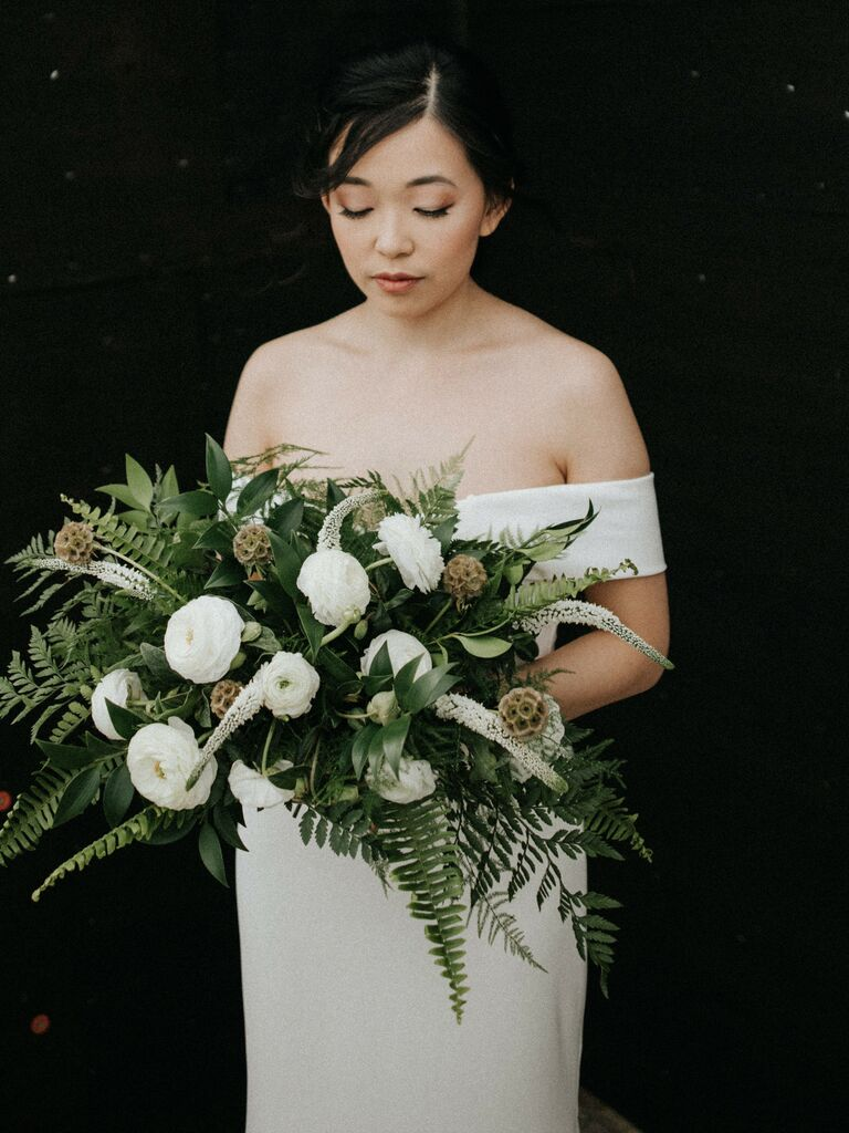 Fall wedding ideas greenery bouquet