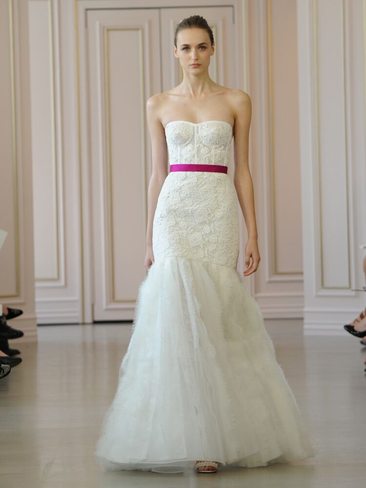 f53fda34ada Oscar de la Renta ivory corded macrame wedding dress with frayed lace and  organza skirt and