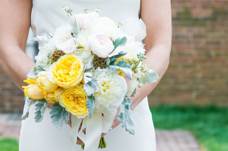 White and Yellow Garden Rose Bouquet