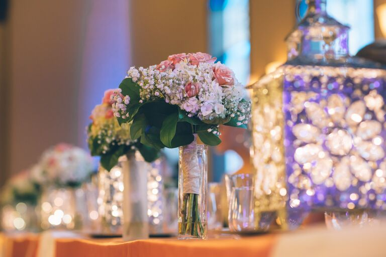 pink-and-babys-breath-bouquet-in-reception-vase