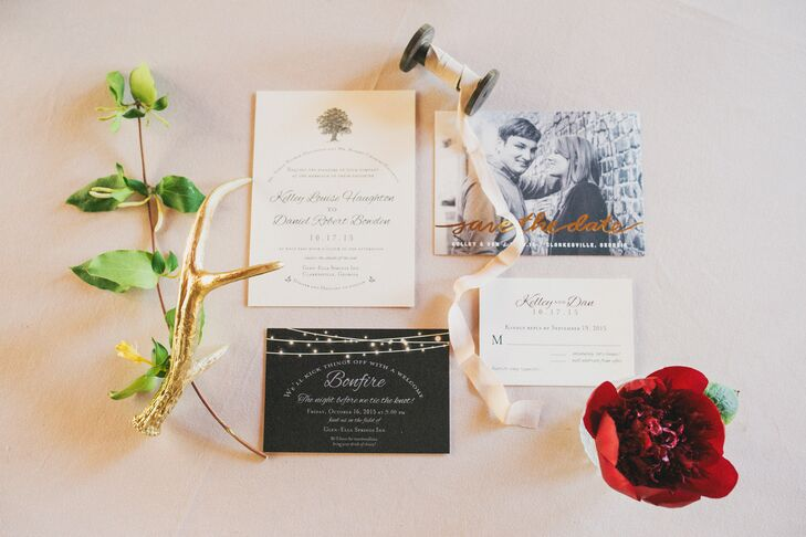 Elizabeth Schorr, who went to college with Kelley, designed the invitations, which featured the oak tree from Glen-Ella Springs Inn as inspiration. She also created the wedding preparty invitations, while the bride DIY'd the other printed items.