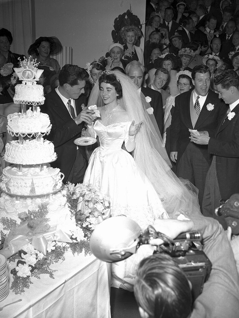 10 Infamous Couples and Their Equally Fabulous Wedding Cakes