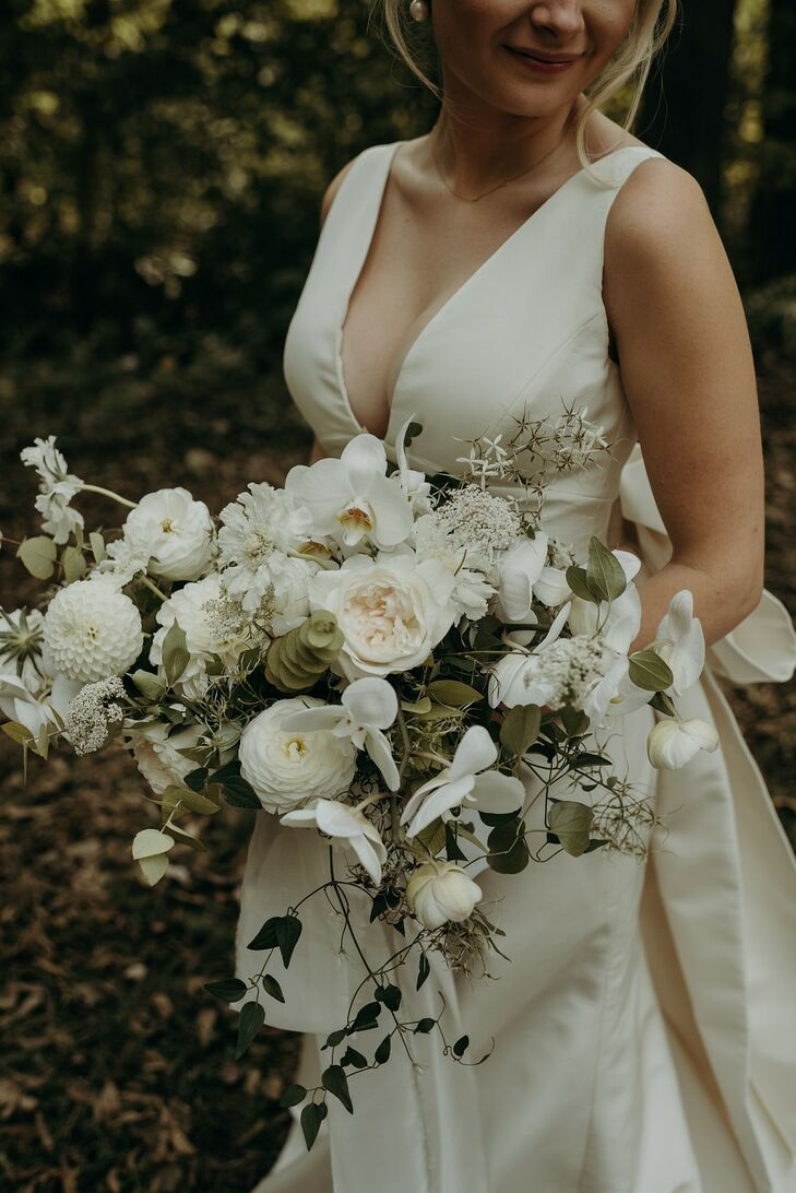 Organic Bouquet with Dahlias, Ranunculus and Orchids