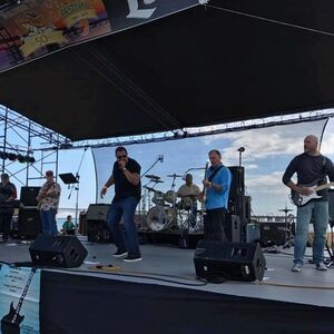 Annapolis, MD Cover Band | Shiftwork Entertainment