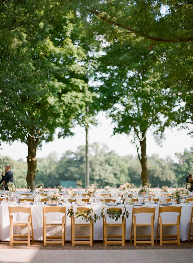 An Outdoor Country Club Reception in St. Louis
