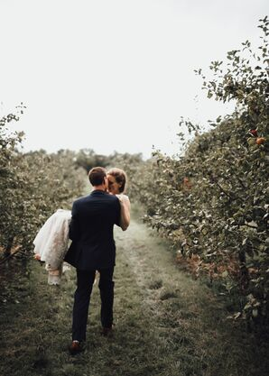 Bride and Groom at Minnetonka Orchards