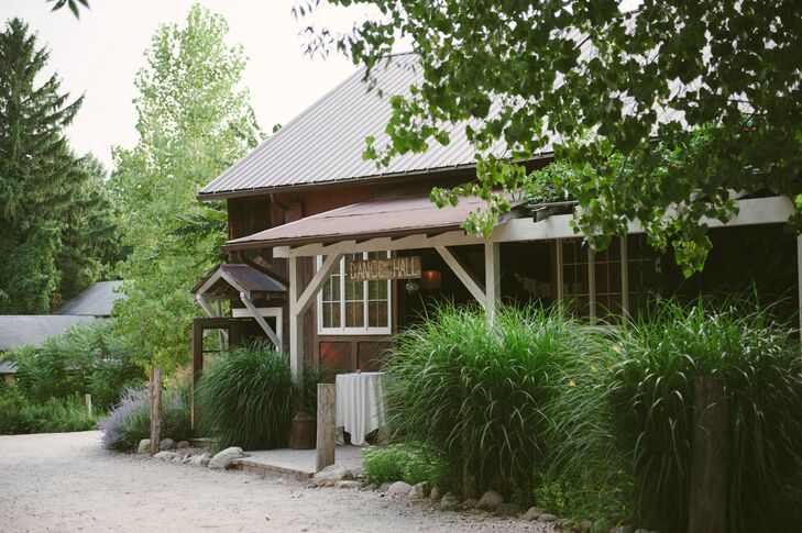 Everything flowed in the space provided by MillCreek Barns. After the outdoor ceremony, the party moved into the dining room for the reception, then into the barn for drinks and dancing.