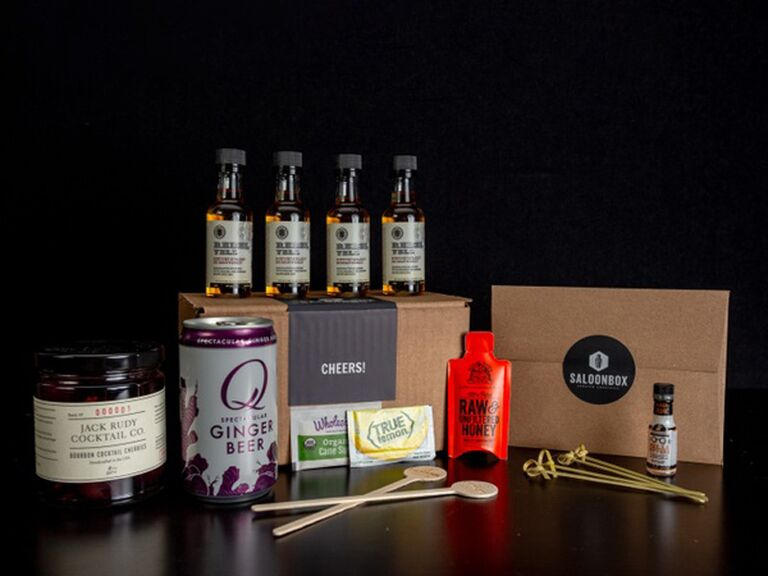 Cocktail subscription gift for couples