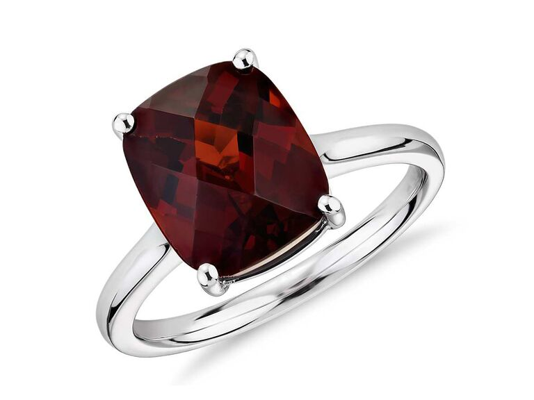 dazzling garnet gemstone ring
