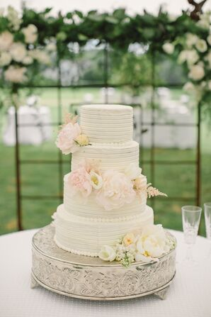 Romantic Buttercream Cake with Fresh Flowers