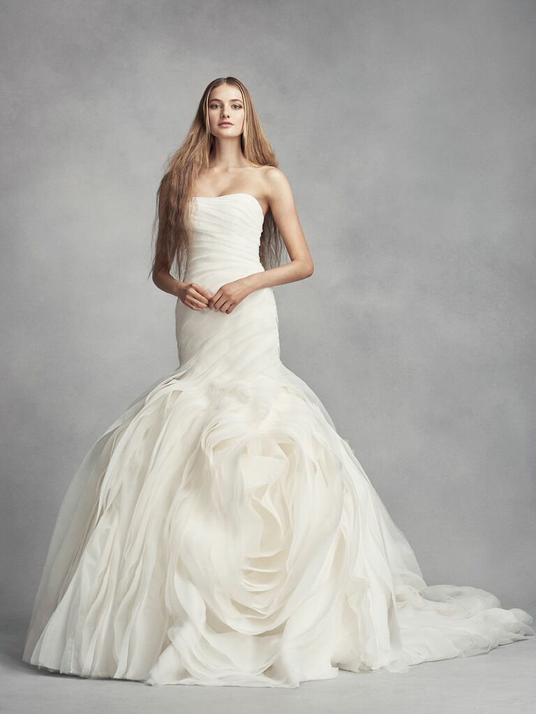 Vera Wang Tells Us Why Your Venue Should Inform Your Wedding Dress