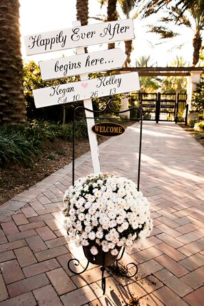 White Daisy Accent With Wedding Signs