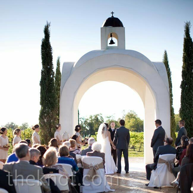 Jessica and Richard exchanged vows under the property's outdoor altar, which overlooks the fields of grapevines.
