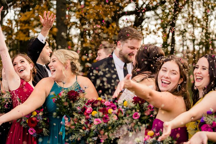 Wedding Party Photo with Confetti at Toledo Country Club in Ohio
