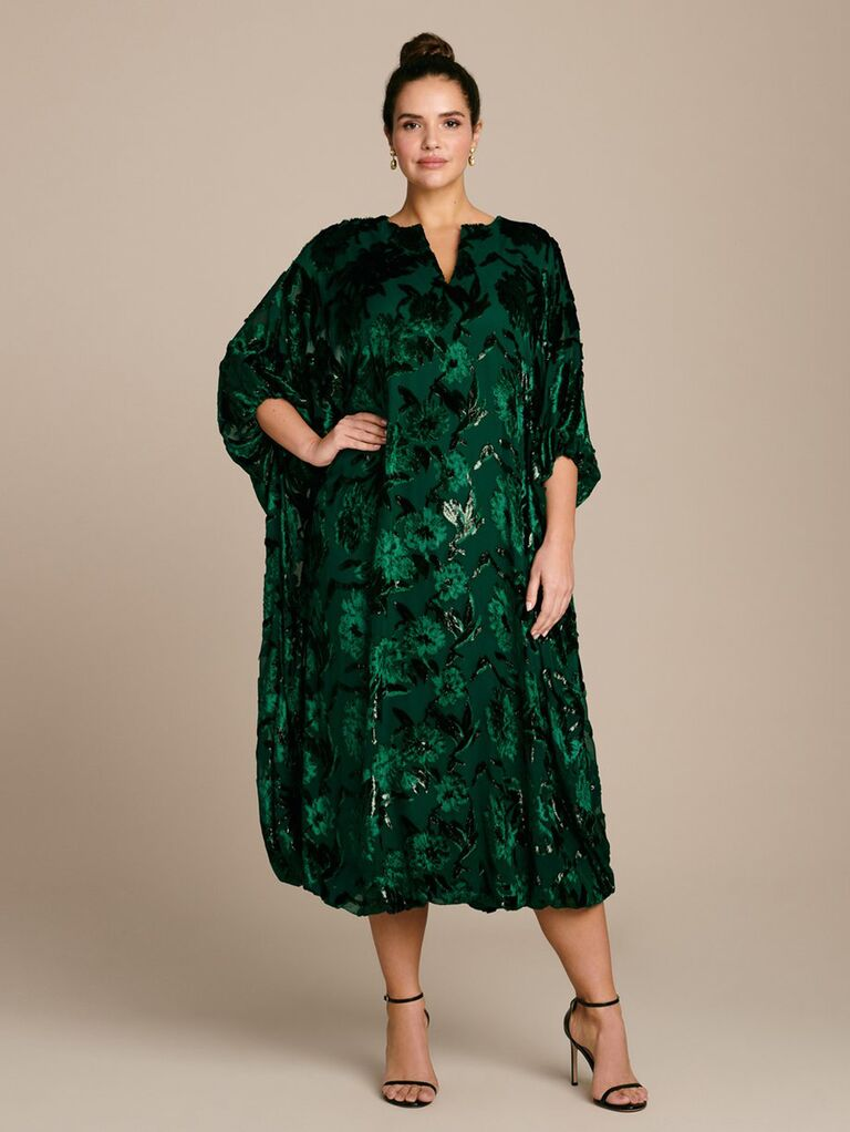 Emerald green caftan dress with 3/4 length sleeves