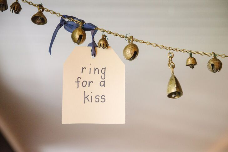 Kissing Bell Garland
